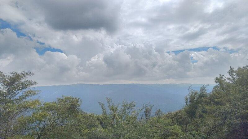 青山高原の風力発電プロペラ